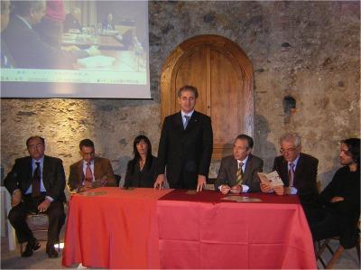 Dal sito comunemio.it – Roccalumera – Fervono i preparativi per il «Premio Quasimodo» 4 dicembre 2007 di Melina Scarcella