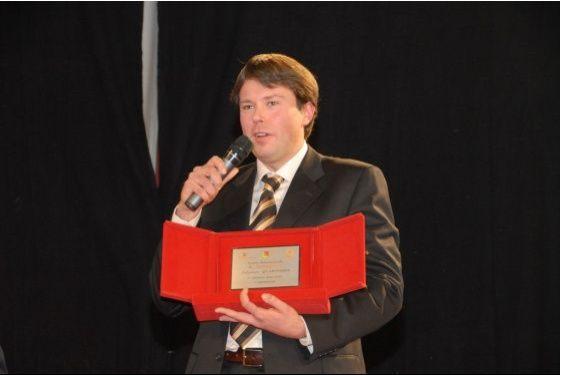 Dal sito zam.it  Massimo Nardin vince il Premio Quasimodo per la sceneggiatura – 14 dicembre 2007