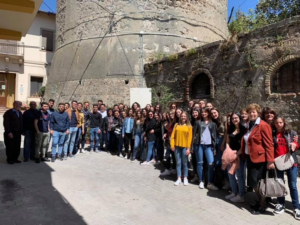 """L'I.I.S. """"Salvatore Pugliatti """", sez. di Furci Siculo, visita il Parco Letterario Quasimodo"""